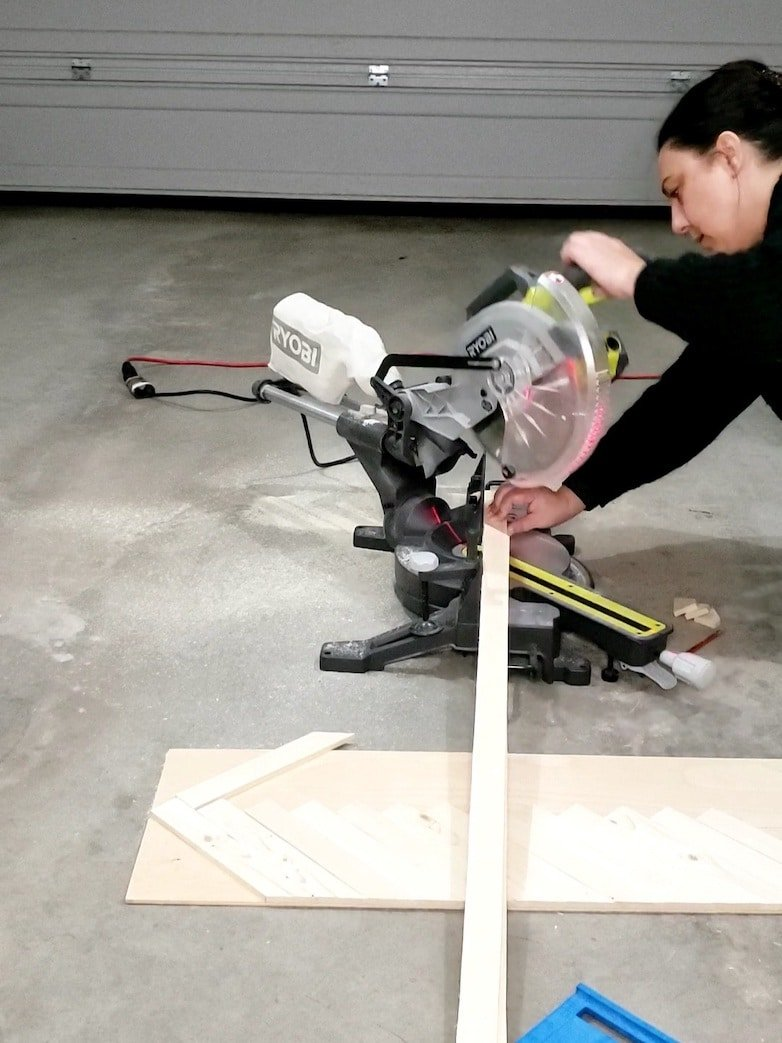 Cutting small pieces of wood with a mitre saw