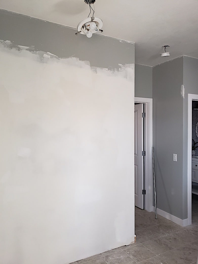 New wall in the DIY entryway makeover