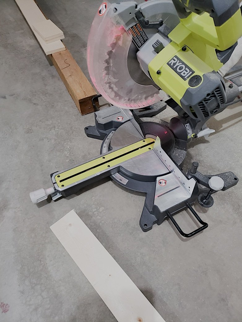 Mitre saw used to cut wood  pieces
