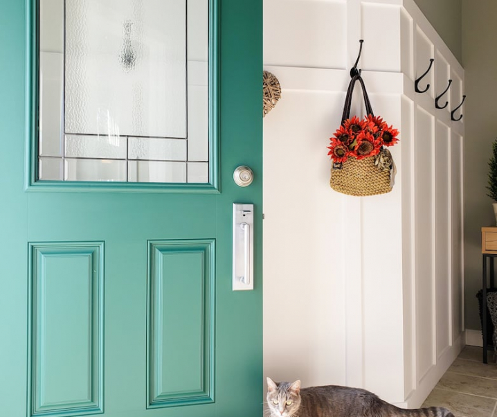 6 Easy steps to a freshly painted front door