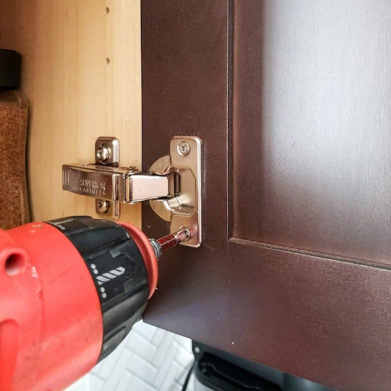 How to prep cabinets for painting: remove all the hardware